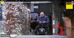 Bild zeigt den Rollstuhlfahrer Bernhard Endres, Mitglied im BSK-Bundesvorstand,